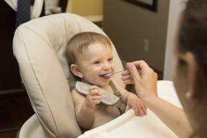 żywienie dziecka łyżeczką