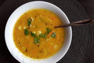 Przepis na zupę z pieczonej marchwi i pieczonego batata